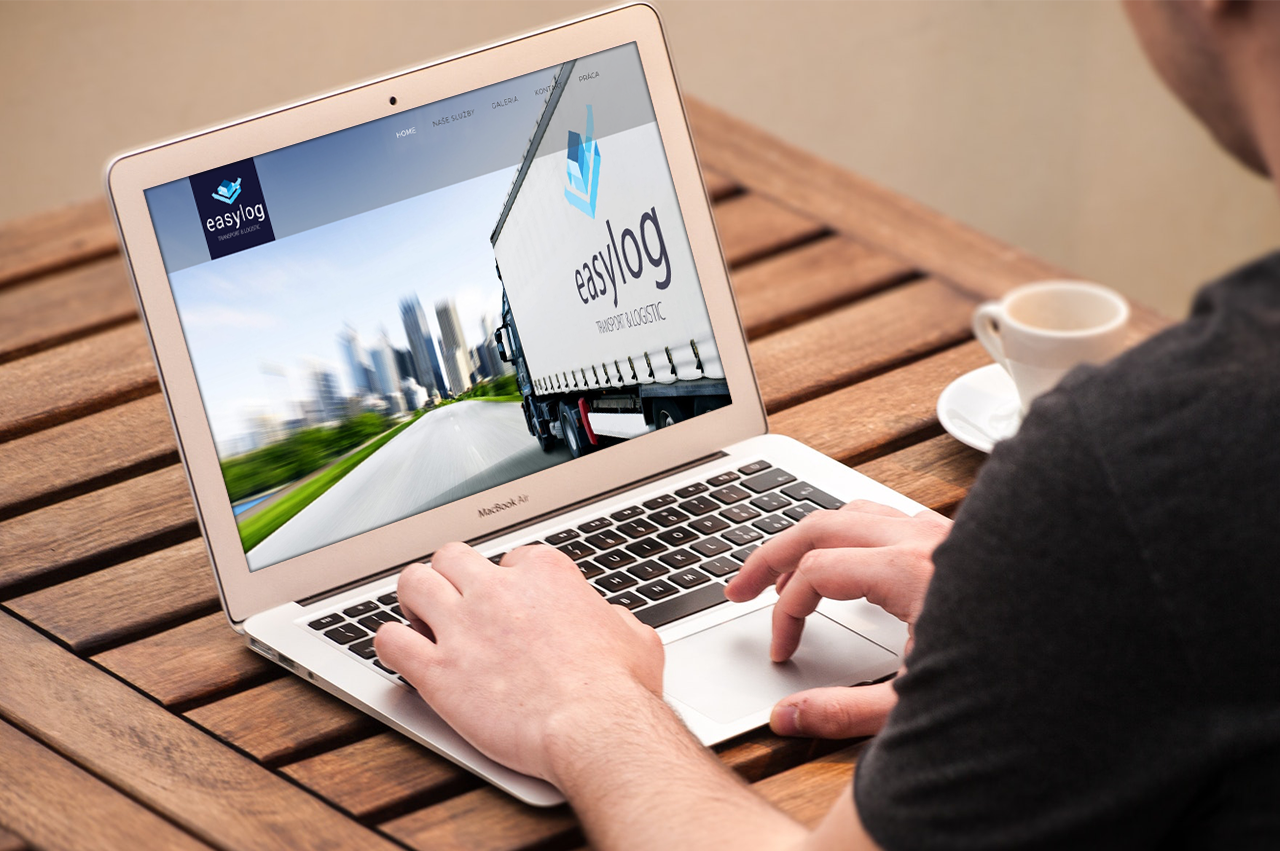 Website, brand and FB fanpage for easylog.sk on a laptop